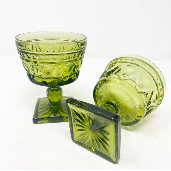 Drink ware Glasses Goblets 2 Vintage Green Dinner